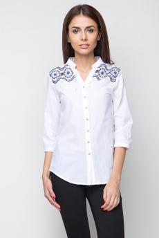 Блузка с вышивкой на плечах