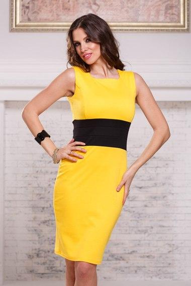 4c6485918e8 Желтое платье футляр без рукавов с черным поясом Angela Ricci арт. 7028  купить в интернет-магазине KOKETTE
