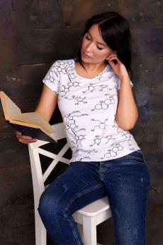 Белая футболка с формулой Натали