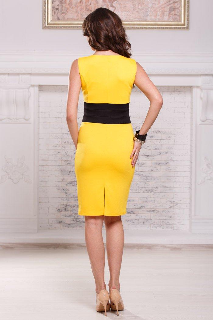 faa76458f02 Желтое платье футляр без рукавов с черным поясом Angela Ricci арт ...